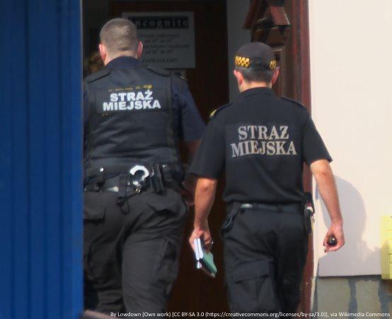 SM Grudziądz: W bibliotece o bezpiecznych wakacjach